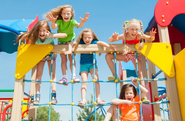 8 Fun Family Activities To Do This Summer!