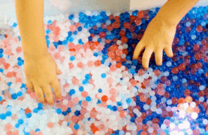 https://www.icanteachmychild.com/4th-of-july-fun-with-water-beads/
