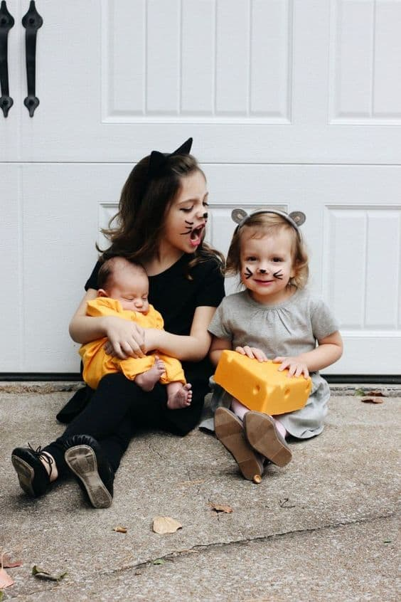 Adorable Halloween Costumes For Siblings